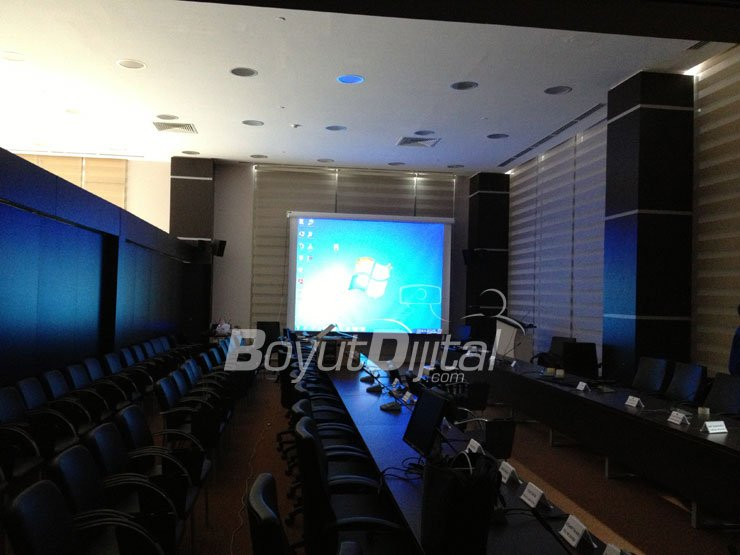 Toplant salonu projeksiyon sistemi kurulumu for Act ii salon salem nh